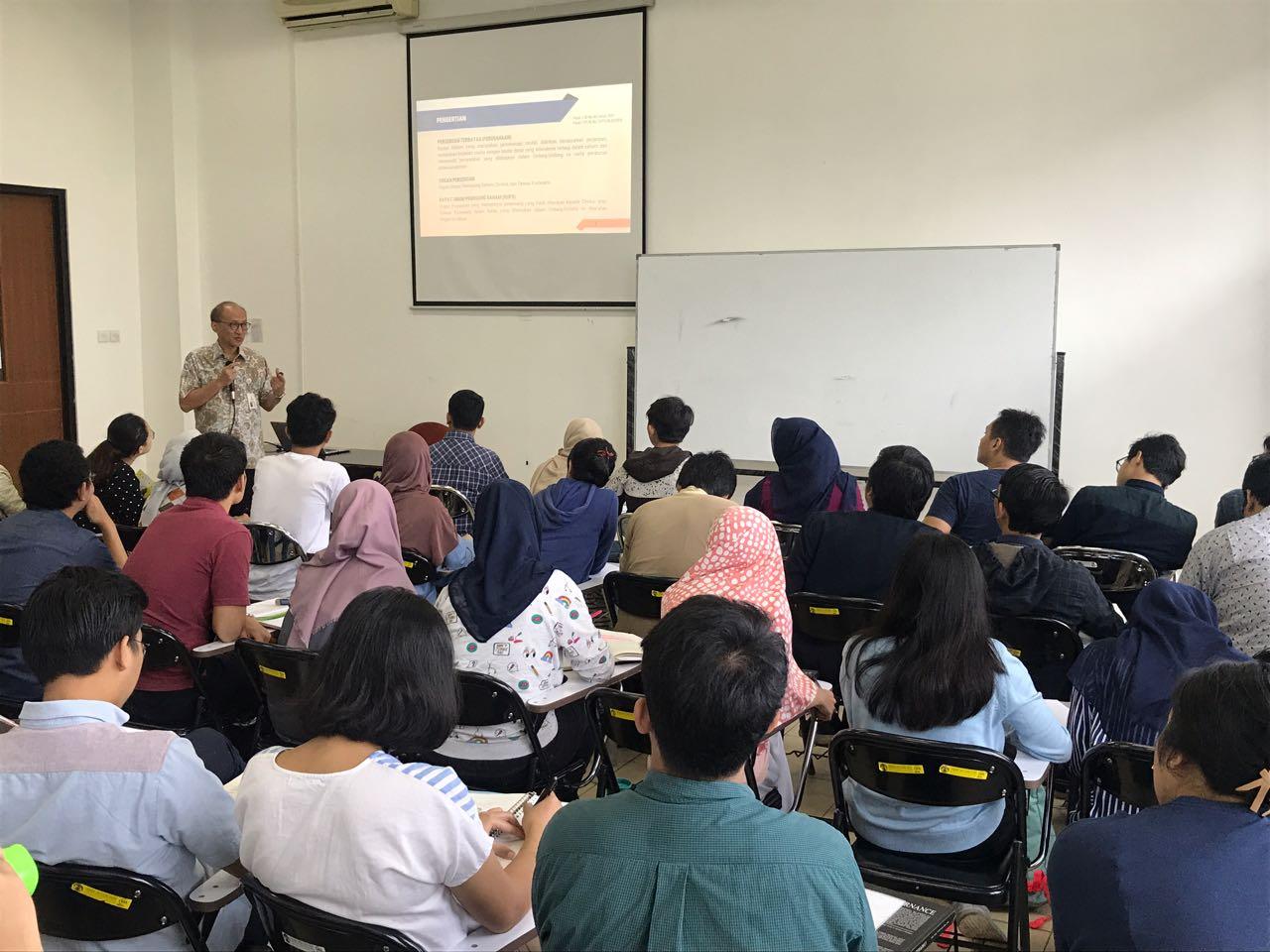 CEO Taspen Life Beri Literasi kepada Mahasiswa Fakultas Ilmu Administrasi Negara UI